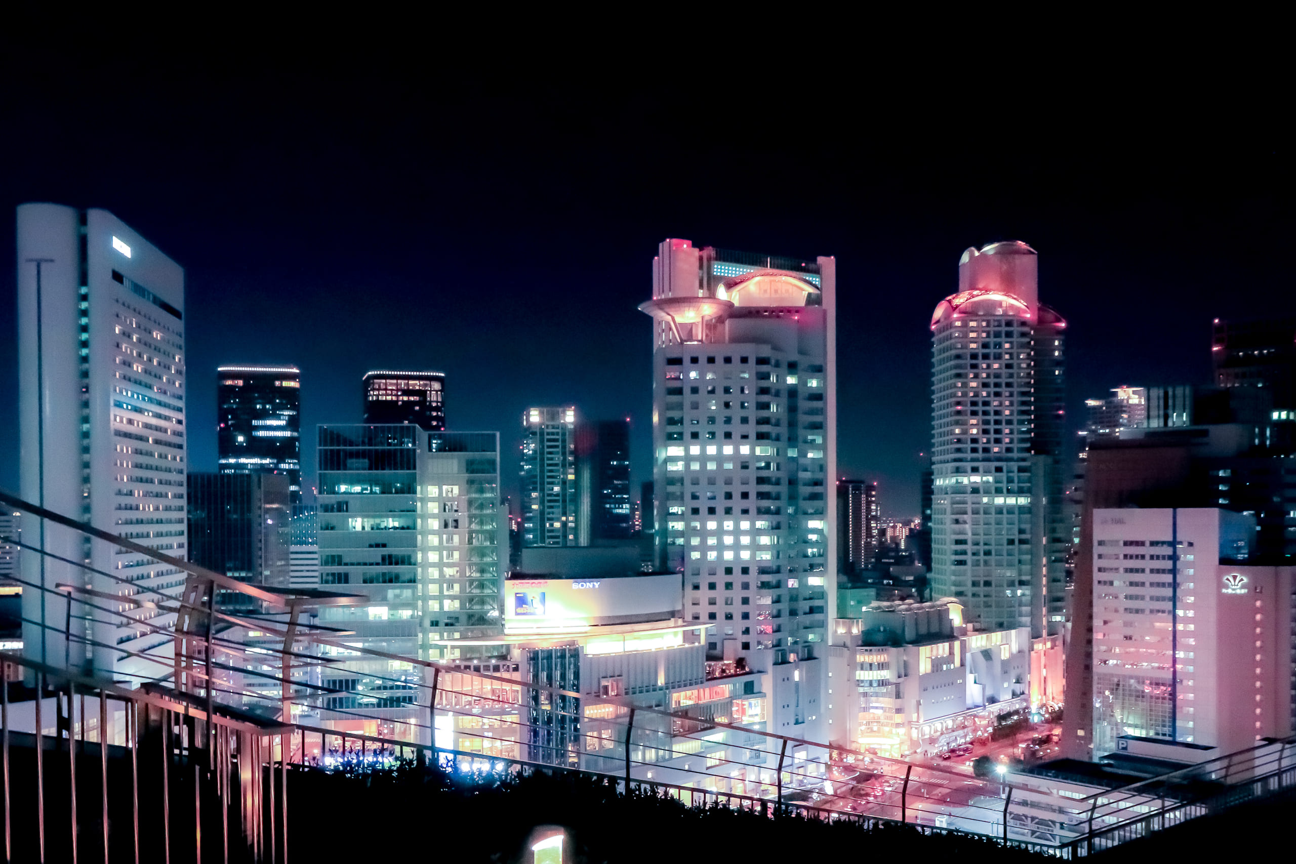JR大阪周辺ビルの夜景